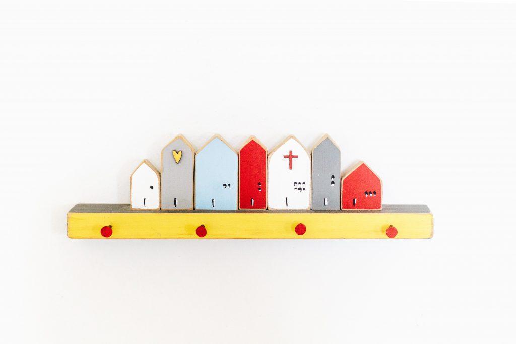 Tipy na praktické a kreatívne využitie interiérových dverí - Vešiak